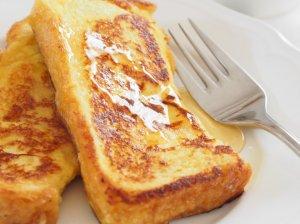 Klasikiniai prancūziški pusryčių skrebučiai