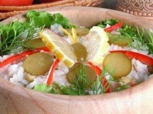 Tuno salotos su ryžiais