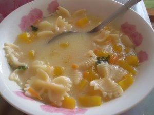 Moliūgų ir makaronų sriuba