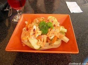 Krevečių ir obuolių salotos