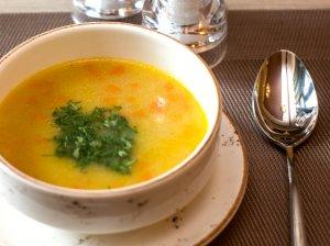Kopūstų sriuba su lydytu sūreliu
