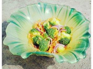 Greitos brokolių salotos