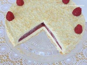 Gaivus kokosinis tortas su avietėmis