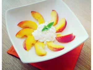 Gaivios persikų salotos