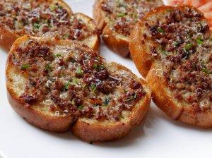 Karšti sumuštiniai su faršu keptuvėje