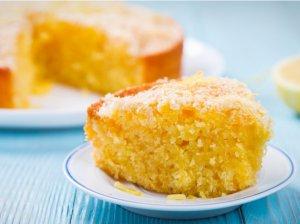Minkštas citrininis pyragas su kokosais