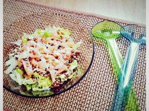 Greitos lęšių salotos su lašiša