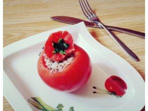 Pomidorų užkandėlė su silke ir grikiais