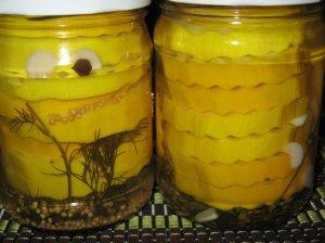 Saldžiarūgščiai marinuotos cukinijos žiemai