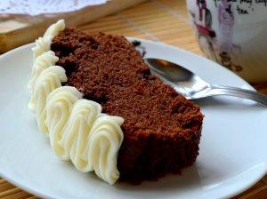 Šokoladinis kakavinis cukinijų keksas pyragas su maskarpone