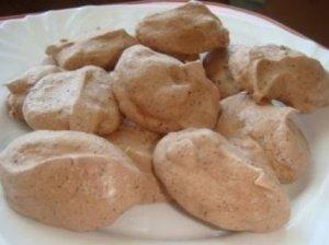 Šokoladiniai pyragaičiai (bezė)