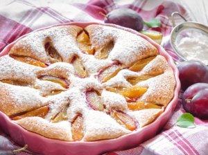 Grietininis slyvų pyragas - skanus ir greitas