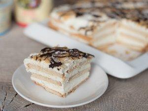 Greitas citrininis sausainių tortas su grietininiu kremu