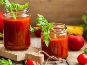 Pomidorų sriuba žiemai (be acto)