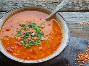 Pomidorų sriuab su lėšiais