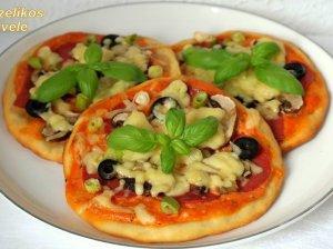 Varškinės tešlos pica be mielių minkymo