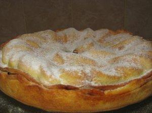 Triaukštis obuolių pyragas