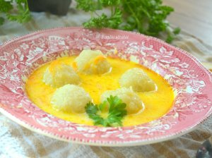 Sriuba su bulvių kukuliais kukuliukais