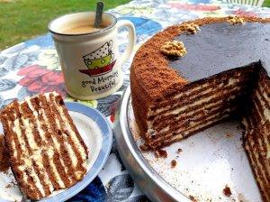 """Žavingas tortas """"Šokoladinė pagunda"""" su grietininiu kremu ir karamele"""