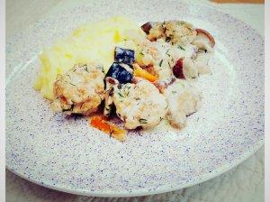 Mini vištienos kukuliukai su grybų padažu