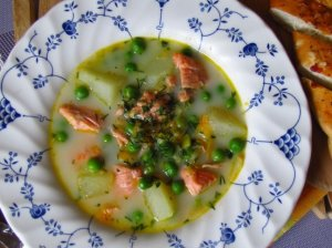 Žuvienė su lašiša ir grietinėle