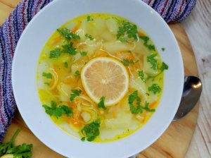 Kopūstų sriuba su citrina