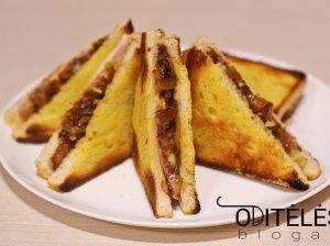 Karšti sumuštiniai su karamelizuotais svogūnais, kumpiu ir sūriu