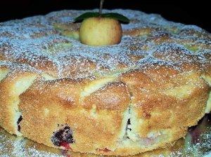 Minkštas obuolių pyragas be sviesto ir aliejaus