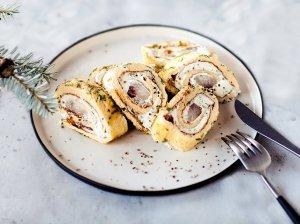Omleto vyniotinis su silke ir kreminiu sūreliu