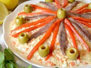 Ispaniška bulvių ir tuno mišrainė