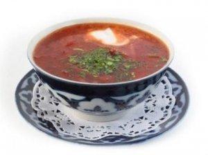 Šviežių burokėlių-kopūstų sriuba