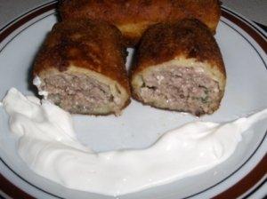 Bulviniai suktiniai su mėsa