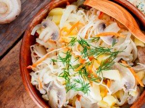 Baltarusiškos raugintų kopūstų salotos
