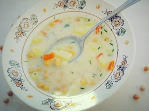 Avinžirnių sriuba su lydytu sūreliu