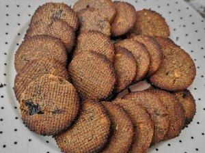 Riešutų sviesto sausainiai be kvietinių miltų ir cukraus