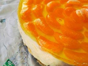 Plikytų sausainių tortas su maskarpone ir mandarinais