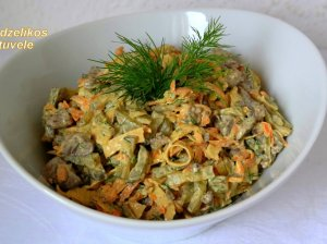 Mišrainė su kepenėlėmis su daržovėmis be majonezo