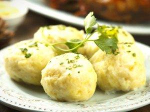 Virtų bulvių ir varškės kukuliai