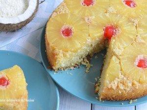 Apverstas ananasų pyragas
