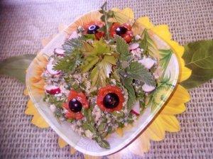 Pavasarinės dilgėlių salotos