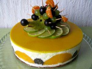 Persikinis varškės tortas