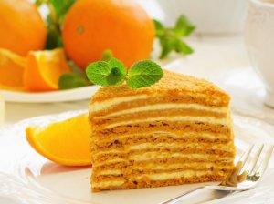 Medaus tortas su apelsininiu kremu