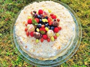 Sluoksniuotos tešlos tortas - trys ingredientai
