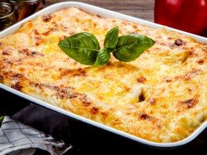 Skanioji lazanija su vištiena ir sūriu