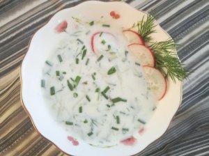 Šalta rūgštynių sriuba su ridikėliais