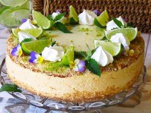 Gaivus citrininis - mėtinis tortas su karameliniu kremu