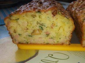 Iškylų pyragas su kumpiu ir sūriu