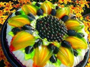 Sluoksniuotas želė desertas su varške