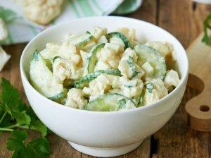 Gaivios kalafiorų salotos su kiaušiniais ir agurkais (be majonezo)