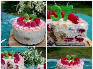 Nekeptas kruasanų tortas su karamele, jogurtu ir uogomis